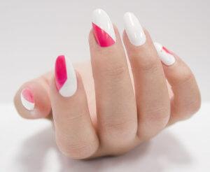 """""""DIY Graphic Manicure"""" - Passo 2"""