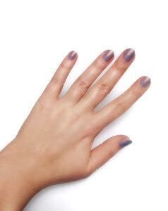 Passo 2 - Ombré Confetti Manicure